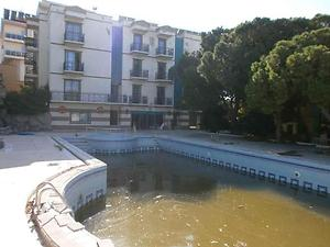 İzmir Çeşme'de 3 katlı 51 Odalı Deniz Manzaralı Otel