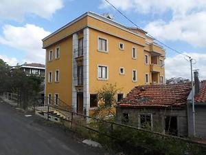 İstanbul Beykoz Göksu Mahallesinde 6 Katlı Bina