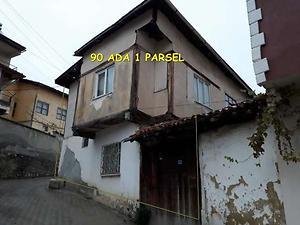 Çorum Mecitözü Sarıdede Mahallesinde 2 Katlı Ahşap Bina