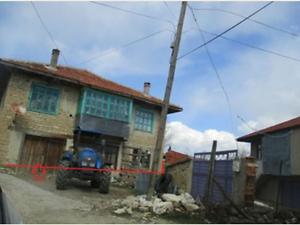 Isparta Şarkikaraağaç Örenköy Köyünde İki Katlı Ev, Ahır ve Arsası
