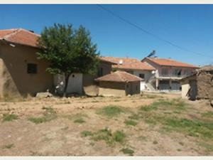 Yozgat Bayatören Köyü'nde 2 Katlı Kargir Ev