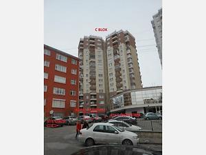 Ankara Keçiören Yakacık Mahallesi Şenlik Köy Bloklarında 47 m2 Dükkan