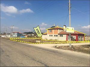 Afyonkarahisar İhsaniye Türbe Mahallesinde Fırın, Ev ve Arsası