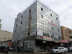 Adana Kozan Cumhuriyet Mahallesinde Karaoğlu Cerenoğlu İş Merkezinde 43 m2 Ofis