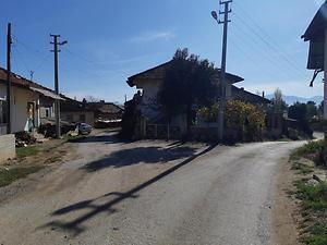 Burdur Çavdır Büyükalan Köyünde 260m2 2 Katlı Kagir Ev ve Arsası
