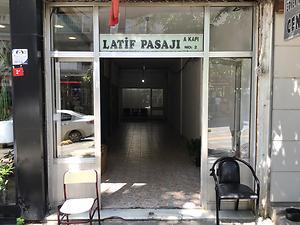 İstanbul Bakırköy Latif Pasajında 14m2 Dükkan