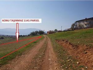 Isparta Yalvaç Aşağı Kaşıkara Köyünde 3000 m2 Tarla