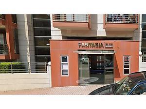 Göktürk Fantasia Elite Sitesinde 20 m Vitrin Genişliğine Sahip 906 m2 Dükkan