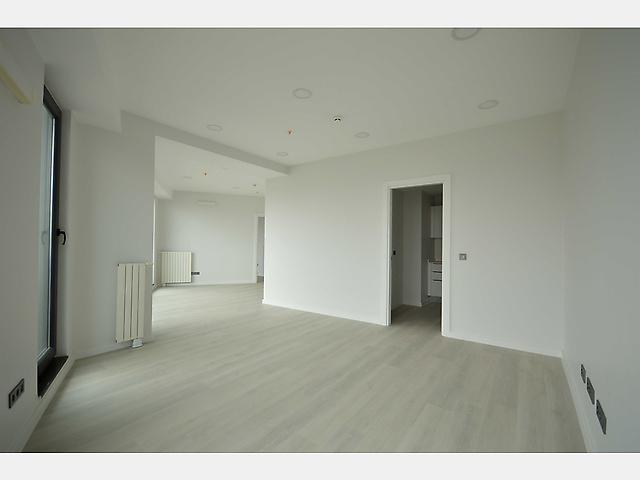 Zeytinburnu'nda Prestijli Projede 116 m2 Ofis