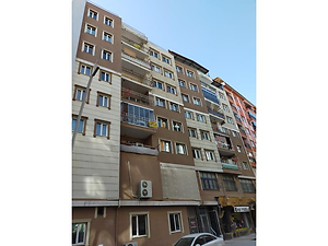 Uşak Merkez Ünalan Mahallesi'nde 245 m2 Çatı Altı Piyesli Daire