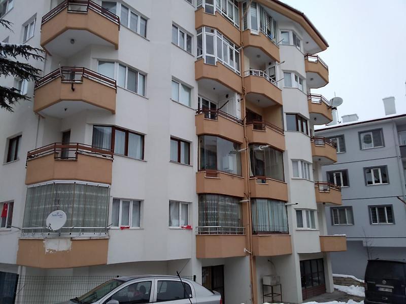 Bolu Merkez Gölyüzü Mahallesi'nde 3+1 142 m2 Daire