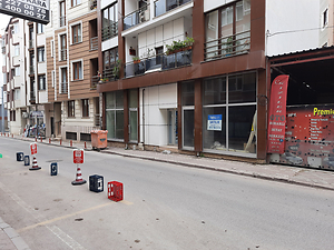 Kocaeli Karamürsel 4 Temmuz Mahallesi'nde 137 m2 Depolu Dükkan