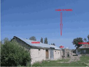 Kars Selim Cumhuriyet Mahallesi'nde 479 m2 Kapalı Alanlı Ev Ahır Samanlık ve Arsası