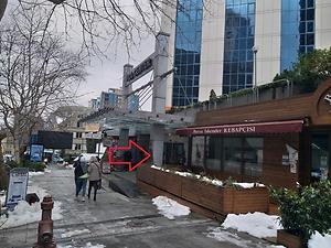 İstanbul Şişli Polat Plaza'da 45 m2 İskanlı Dükkan