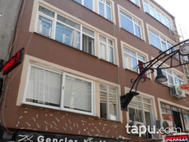 İstanbul Kartal Özdemir Pasajı'nda 12 m2 Hisseli Ofis