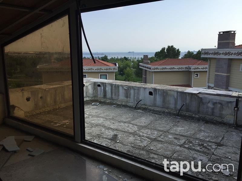İstanbul Pendik Kaynarca Mahallesinde Natamam Hisseli Dubleks Villa