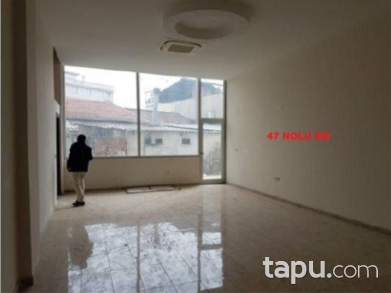 İzmir Menderes Belediyeye Yakın 85 m2 Dükkan