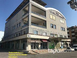 Kastamonu Araç Yeni Mahallesi'nde Geniş Vitrin Cepheli İskanlı 421 m2 Dükkan