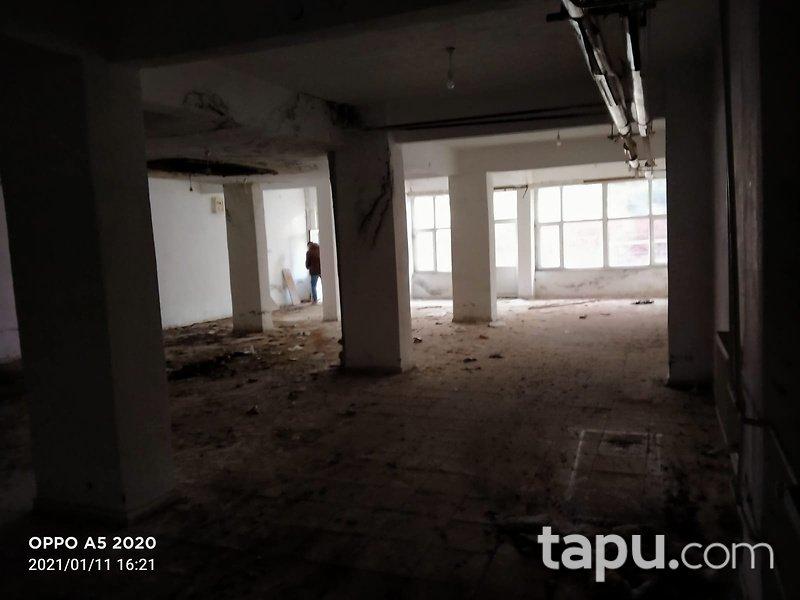 Bilecik Merkez Ertuğrul Gazi Mahallesi'nde İskanlı 202m2 Depo