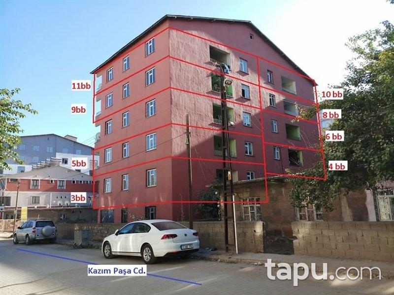 Bitlis Tatvan Saray Mahallesi Kazım Paşa Caddesi'nde İskanlı 3+1 Daire