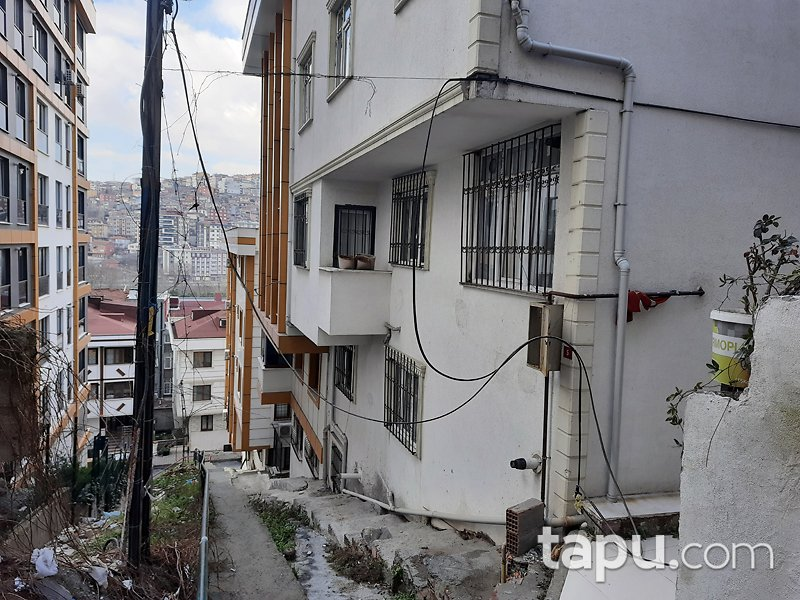 İstanbul Eyüpsultan Emniyettepe Mahallesi'nde 1+1 35 m2 Daire (1349)