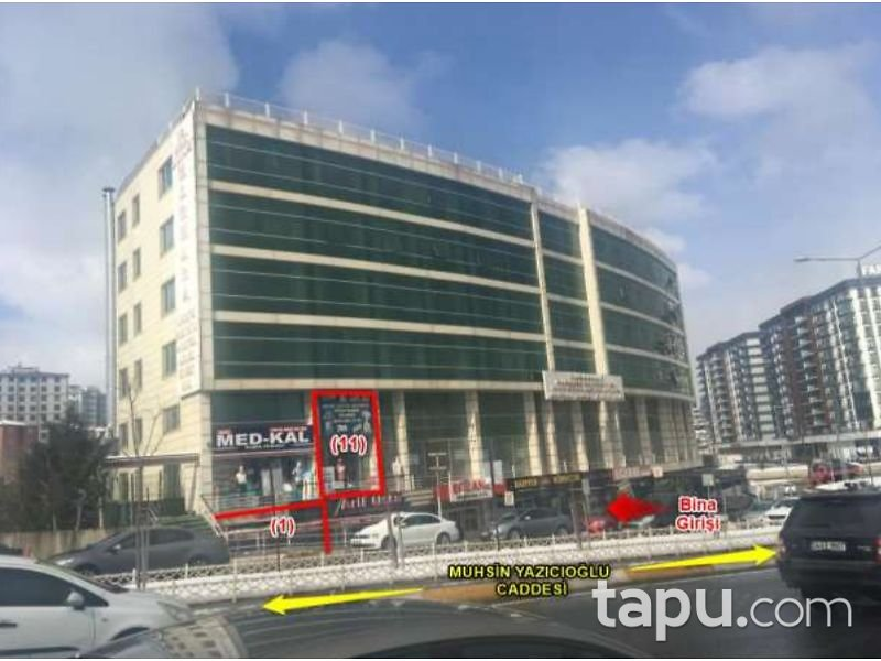 İstanbul Pendik Çelik Plaza'da 188 m2 Cadde Cepheli Dükkan