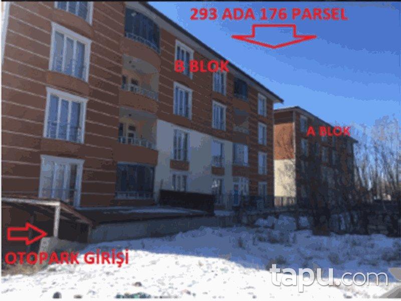 Kars Merkez Şehitler Mahallesi'nde 3+1 154 m2 Daire