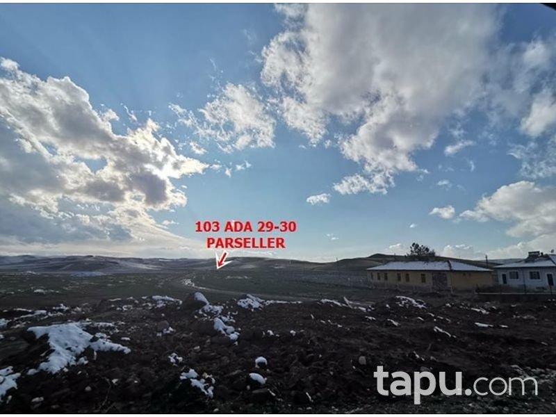 Çorum Sungurlu Akpınar Mahallesi'nde 4576 m2 Tarla