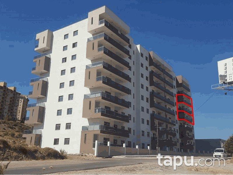 İzmir Menemen Gazi Mahallesi'nde 3+1 145 m2 Natamam Daire