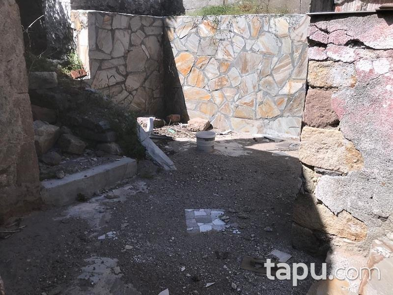 Çanakkale Ayvacık Kozlu Köyü'nde Bahçeli Taş Ev