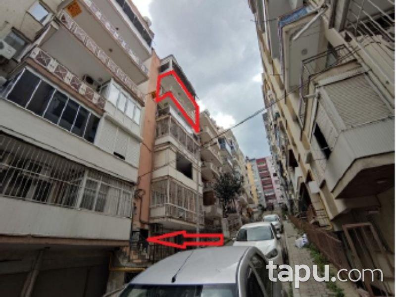İzmir Karabağlar Reis Mahallesi'nde 3+1 Daire