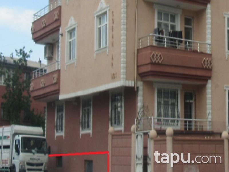 Iğdır Merkez Cumhuriyet Mahallesi'nde 3+1 Daire ve 228 m2 Depo