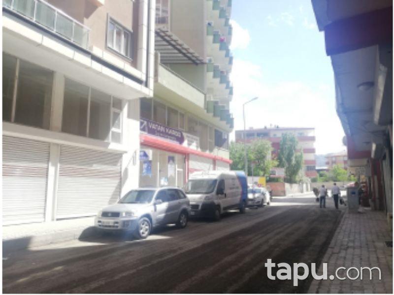 Ağrı Doğubeyazıt Çiftepınar Mahallesi'nde 266 m2 Depolu Dükkan