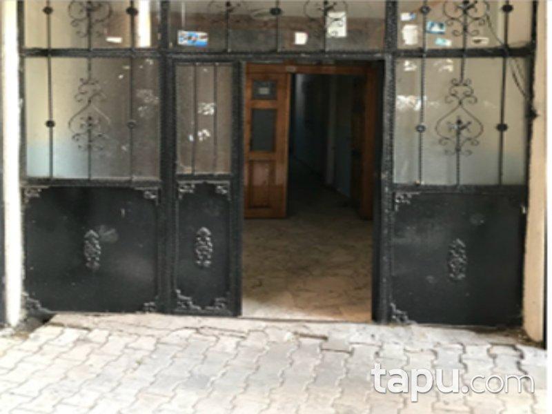 Ağrı Merkez Yavuz Mahallesi'nde 3+1 160 m2 Daire