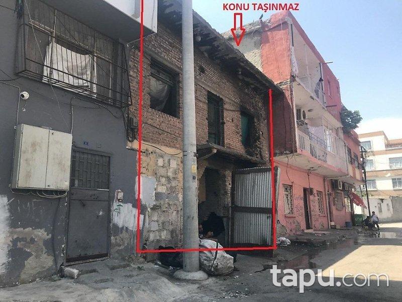 Adana Seyhan Kocavezir Mahallesinde 208 m2 Tadilat İhtiyacı Olan Bina