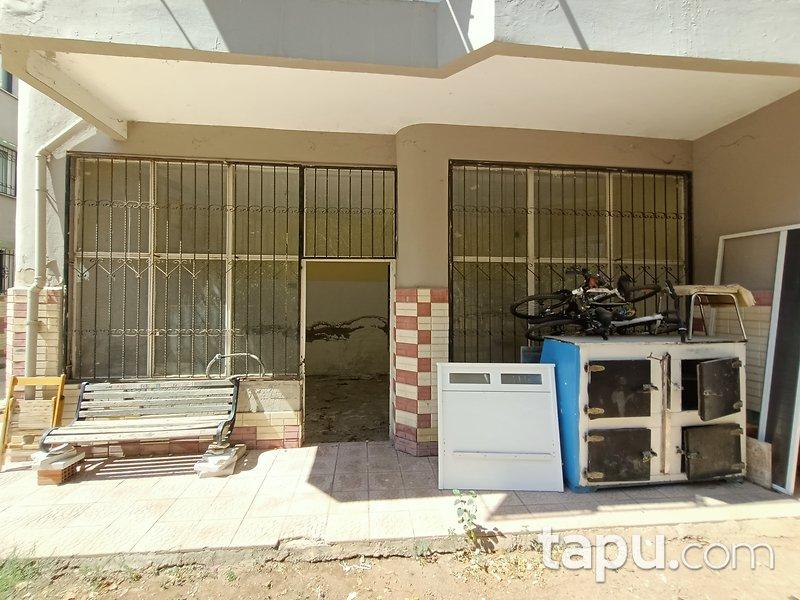 İzmir Menderes Kasımpaşa Mahallesi'nde 32 m2 Dükkan