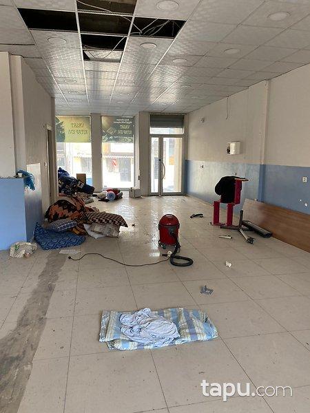 İzmir Buca İnönü Mahallesi'nde 275 m2 Depolu İşyeri