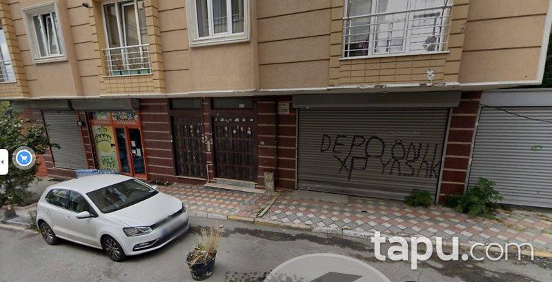 Eyüp Yeşilpınar Mahallesi Girne Caddesi'nde Kiracılı Depolu Dükkan