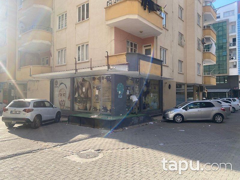 Osmaniye Adnan Menderes Caddesi Safa Evler Sitesi'nde 108 m2 Dükkan